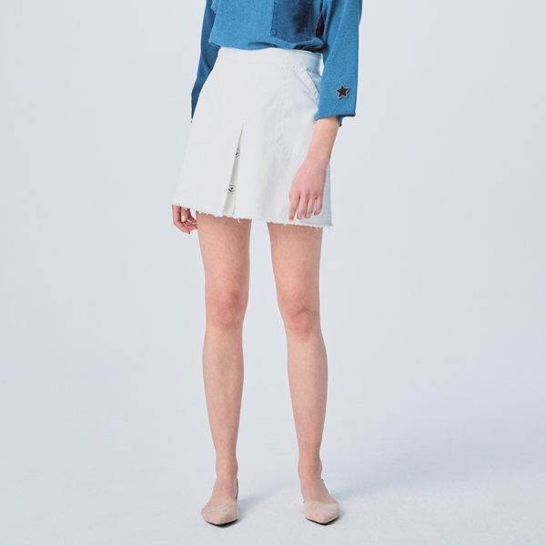 WASHED INVERTED PLEATS DENIM SKIRT OFF WHITE